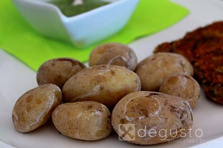 Ziemniaczki po kanaryjsku z sosem Mojo ziemniaczki po kanaryjsku 21 degusto - przepisy smaczne i proste