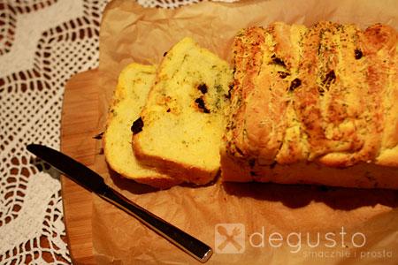 Warstwowy chlebek czosnkowo - serowy Chlebek 3 degusto - przepisy smaczne i proste
